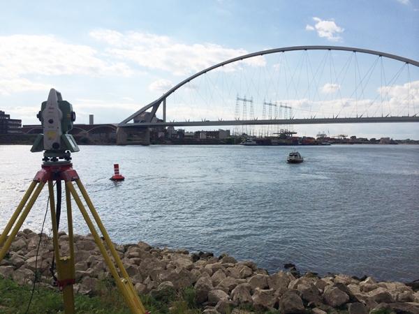2011 Nijmegen, peilingen Waal aanleg stadsbrug